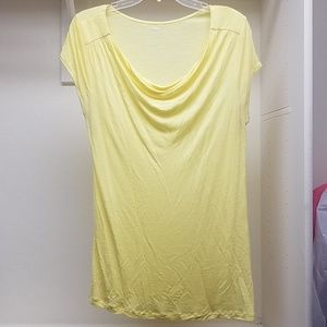 Yellow scoop neck tshirt